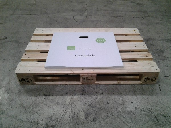 Kalenderverpackung 604 x 590 x 25 mm W1