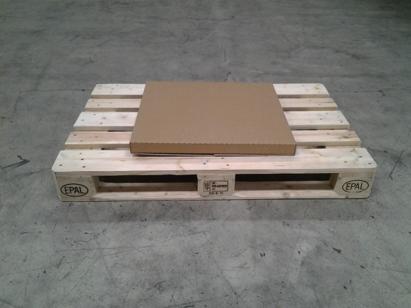 Kalenderverpackung 620 x 588 x 40 mm W2